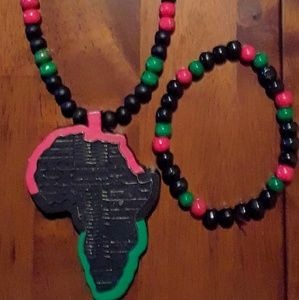 Other - African Hand Craft Necklace and Bracelet Set